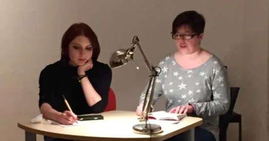 Melanie Michalak und Moderatorin Slat Roschal